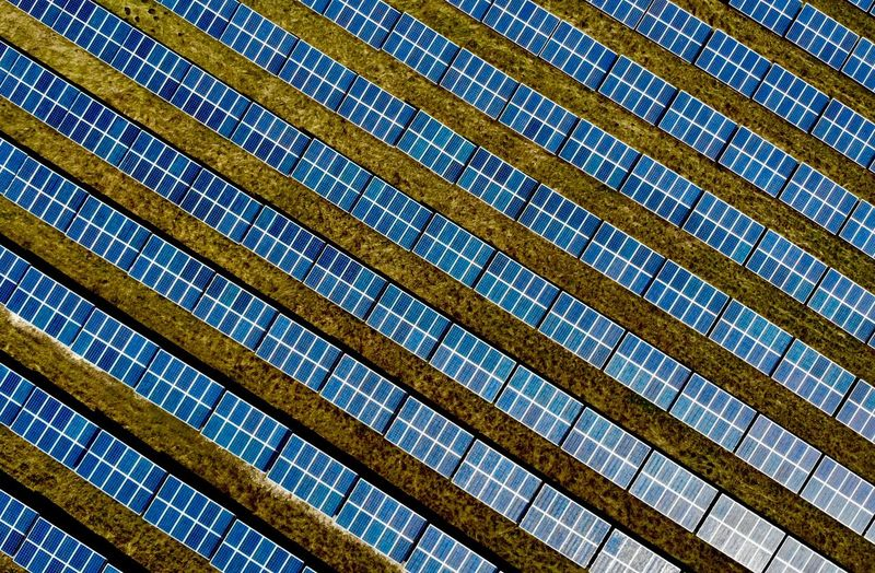 Solarcity from above, renewable energies rules! 😊 Minimalism Architecture Solar Energy Photovoltaic Renewable Energy Eyeemarchitecture EyeEmBestPics EyeEm Gallery Eye4photography  EyeEmNewHere EyeEm Best Shots Backgrounds From Above  Industrie Full Frame Backgrounds Pattern No People Low Angle View Repetition Architecture Built Structure Day Textured  Sunlight