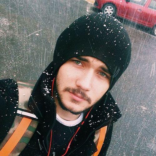 VSCO Vscocam Vscogood Vscogrid москванеспит Москва WOW Moment Moscow Instagood Instagram Instalike Instadaily Me Msk Selfie Snow Boy Fororus Face Personal Selfportrait несмешно снег октябрь october