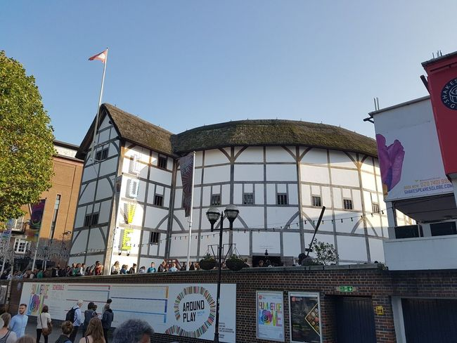 The Globe Theatre in London UK 2017 2017 2017 Year 2017 Photo England, UK LONDON❤ London London lifestyle United Kingdom William Shakespeare Architecture Building Exterior Built Structure Clear Sky Day Flag Large Group Of People London_only Londonlife Low Angle View Outdoors Patriotism People Real People Sky Tree