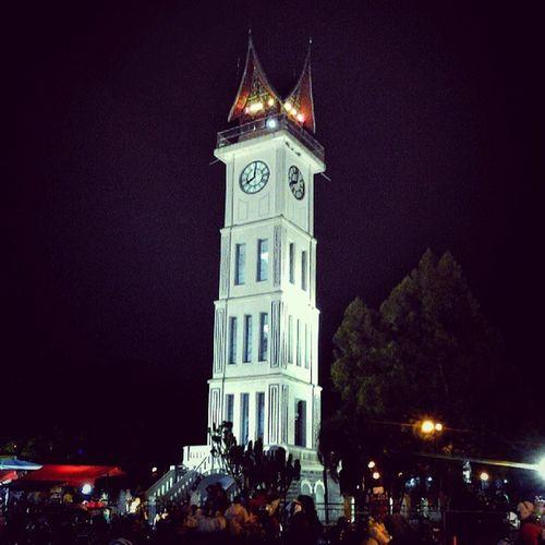 Jam_Gadang at Night , West_Sumatra Sumatera_Barat Indonesia instanusantara instanusantaraArchitecture instanusantaraLandscape, park pariwisata