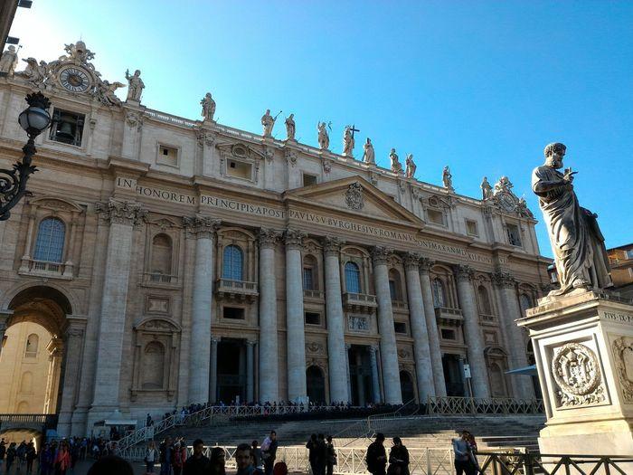Rome Italy🇮🇹 Basilica Ofsaint Peter Statue Façade