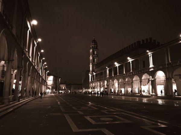 Black And White Piazza City Politics And Government Illuminated Architecture Sky Historic Architectural Column Cityscape Sculpture Triumphal Arch