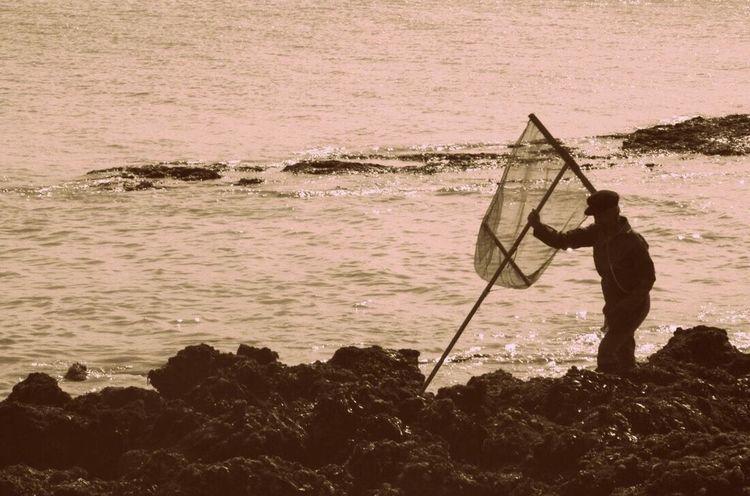 Pêcheur Peche Peche En Mer Pêcheur 👣🐟 Mer Ocean Fin De Journée Travail Vieux Pêcheur île Filet