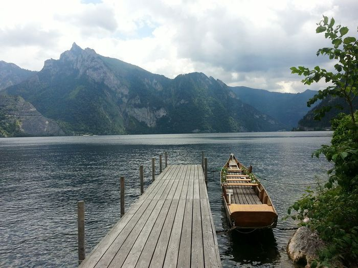 Lake Water Mountain Landscape Outdoors Vacations Nature No People Beauty In Nature Day Sky Traunkirchen Vacations Traunsee Summer Austria Mountains Austria Lake Austria