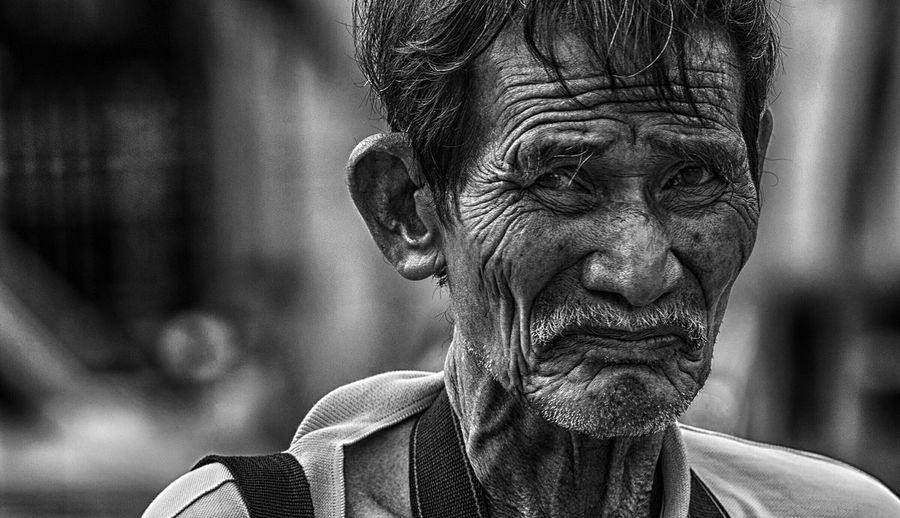 ... Streetphotography Streetphoto_bw Street Portrait Streetphotography_bw EyeEm Best Shots - People + Portrait EyeEm Best Shots - Black + White EyeEm Best Shots EyeEm Bnw Black & White Humaninterest