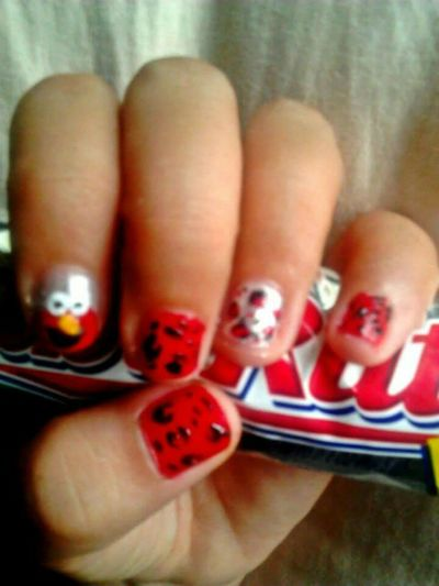 Elmo on my nails... Nailart  Nailpolishaddict Nailartist Nailartclub Elmo Sesamestreet Nail Polish Nails <3 Mynails Artistinme