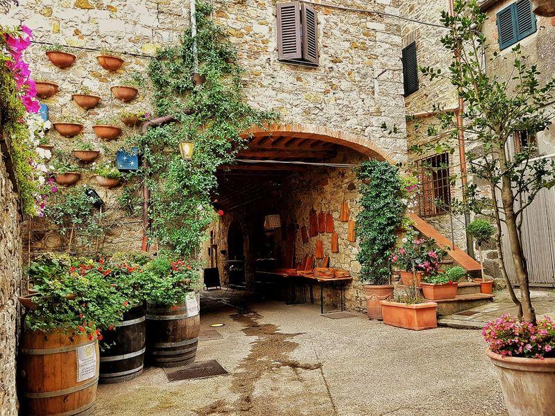Castellina In Chianti Chianti Chianti Area Chiantishire Chianti Classico Chianticlassico Tuscany Tuscanygram Tuscanymylove Siena Siena, Italy Siena..❤