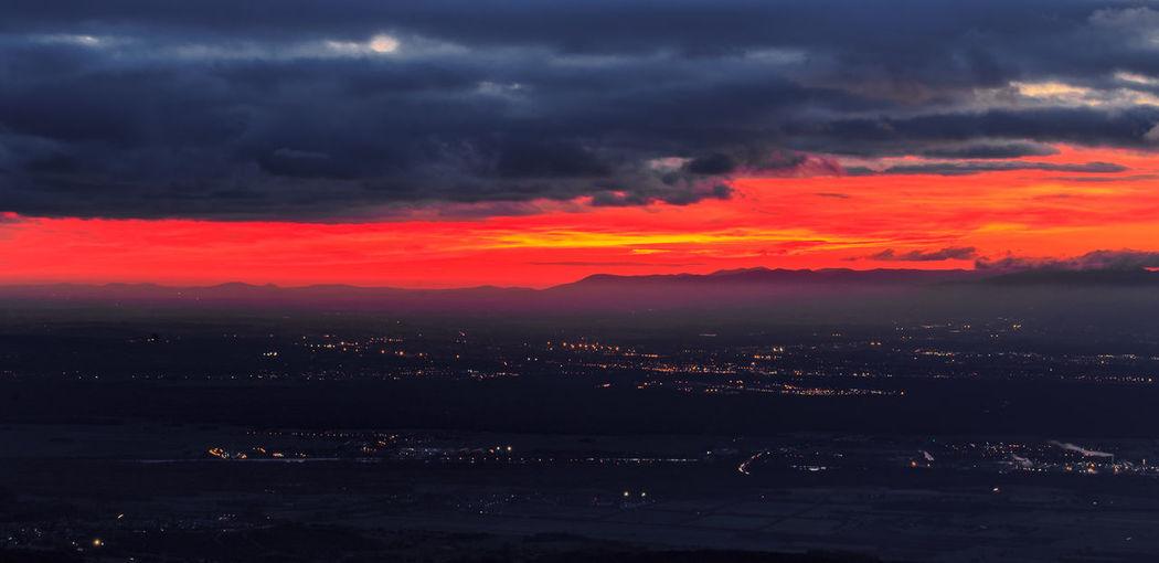 Sonnenuntergang fotografiert vom Hochblauen Atmosphere Beauty In Nature Black Forest Cloud Cloud - Sky Cloudscape Dramatic Sky Mountain Mountain Range Nature Outdoors Schwarzwald Sky Sonnenuntergang Sunset