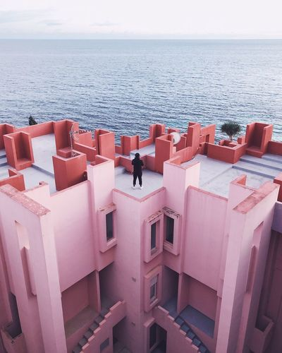 get lost in Maze Eyemphotography EyEmNewHere Sea Architecture Pink Sea Horizon Over Water Nature Outdoors Water Day An Eye For Travel Beauty In Nature One Person The Graphic City The Architect - 2018 EyeEm Awards A New Beginning