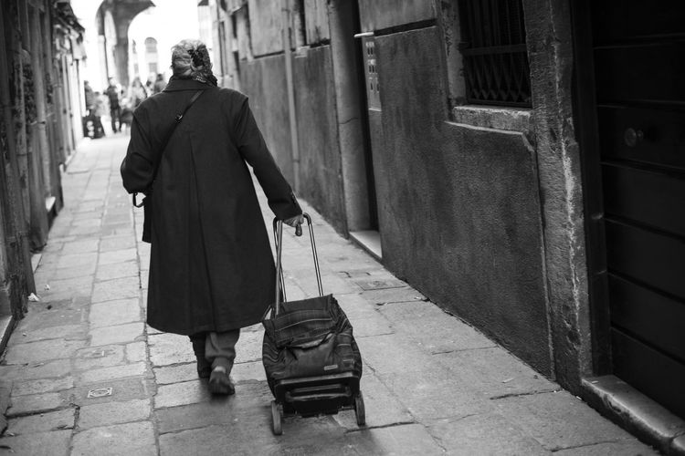 Black And White Forward Rear View Street Streetphotography Venice Way Forward Women