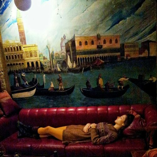 the sleeping beauty! she probably dreams about Venezia Localsmd Kiras