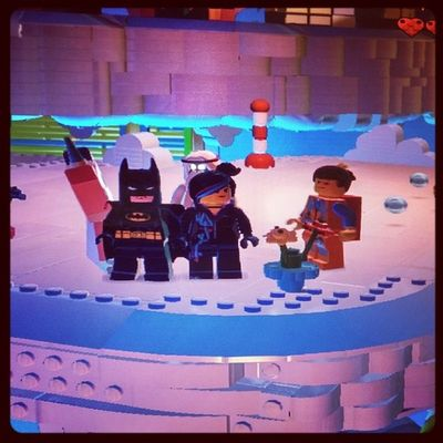 Playing Legomovie game! :) with mahy.