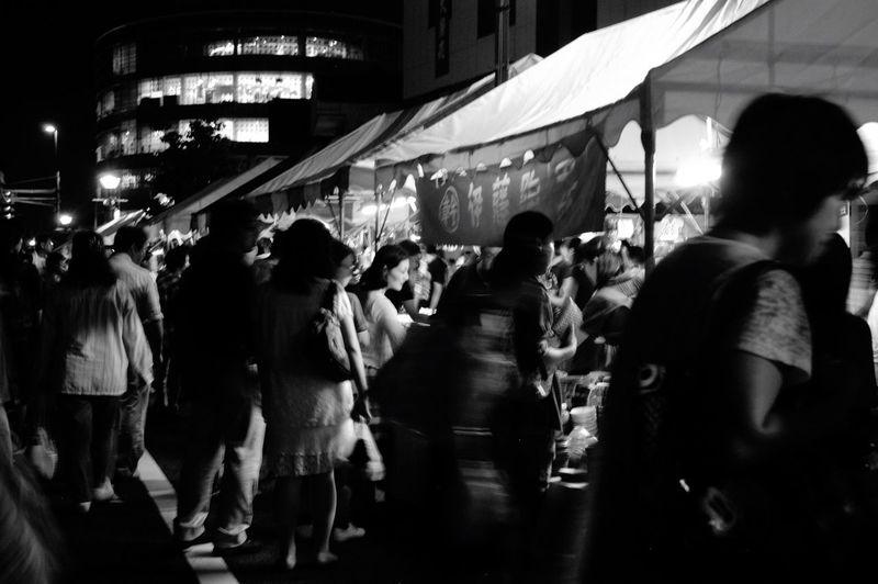 「せともの祭」名鉄瀬戸線 尾張瀬戸駅周辺を中心に沢山の露店が軒を連ねる瀬戸物のお祭りです。日中も催し物が沢山あって楽しいのですが、私は夜の雰囲気が好きです。 せともの祭 Seto Night Monochrome Monochrome Photography