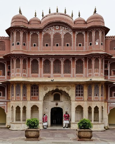 India Jaipur Arch Arched Architectural Column Architecture Building Building Exterior Built Structure City Courtyard  Day Entrance Façade History Incredible India Outdoors Palace Rajasthan Sky Symmetry The Past Tourism Travel Travel Destinations