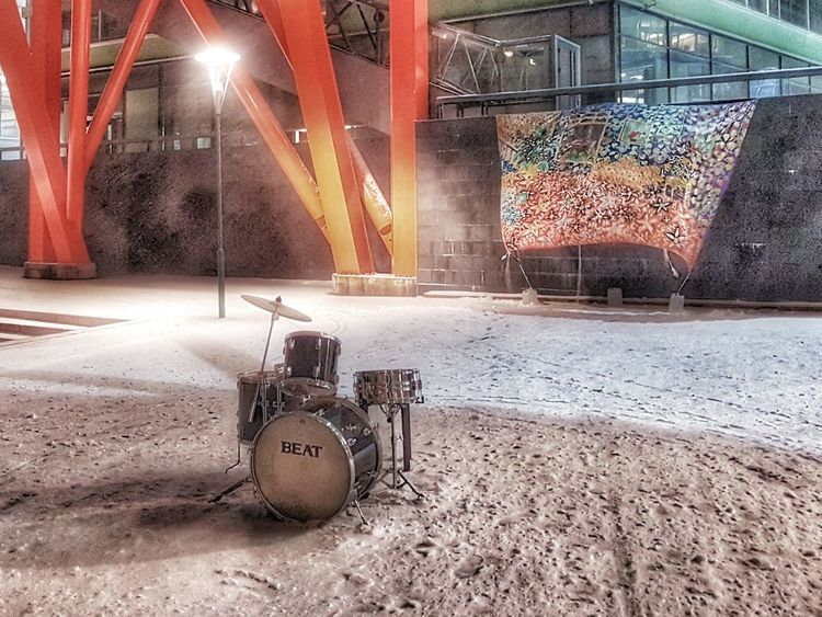 Abandoned drum kit - Helsinki, Finland - 02 November 2016 Outdoors No People Waterfront Finland City Life Samsung Galaxy S7 Building Exterior Tranquil Scene Architecture City Built Structure Office Building Drum Kit Drumkit Surreptitious Night Surrealistic November 2016 FinlandsWinter Suomi Snow Snow ❄ Night Photography Art Is Everywhere