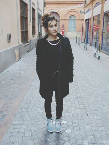 La ballade dominicale. Frenchgirl Sunday Walk Selfie
