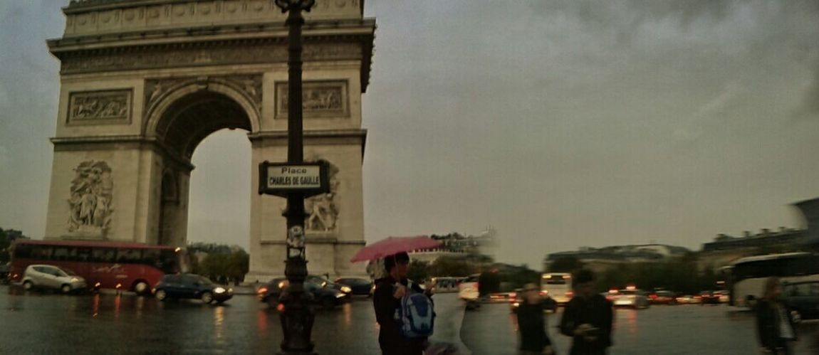 Ah Paris!! L'amour! Arc De Triomphe France Hello World Architecture Enjoying Life Cold Weather Rain Grey Sky