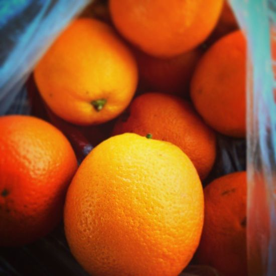 Воу, воу, Тася. осенний апельсин