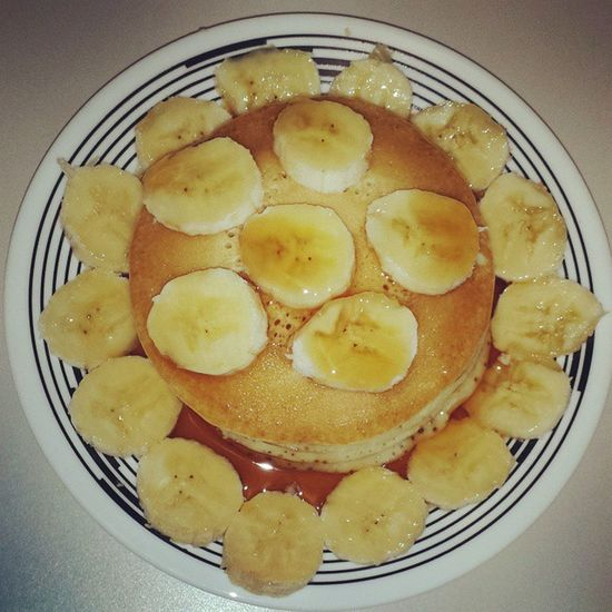 Casual Friday = Casual Breakfast... TGIF!!! IlovemesomeFriday TheWeekend Itsfinallyhere Goodmorning sunshine breakfasttime feedme imhungry buttermilkpancakes shortstack bananas maplesyrup butter comfortfood myfav wheresthewhippedcream eatandenjoy livewell laughoften lovemuch LASH