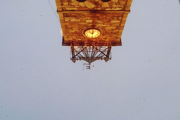 Navidad Clock Clock Tower Architecture Sky Time Outdoors Cristmas Cold Weather Cold Winter ❄⛄ Frioooo Frioooooo Iglesia Iglesias Church Churches LucesDeNavidad Cristmaslights