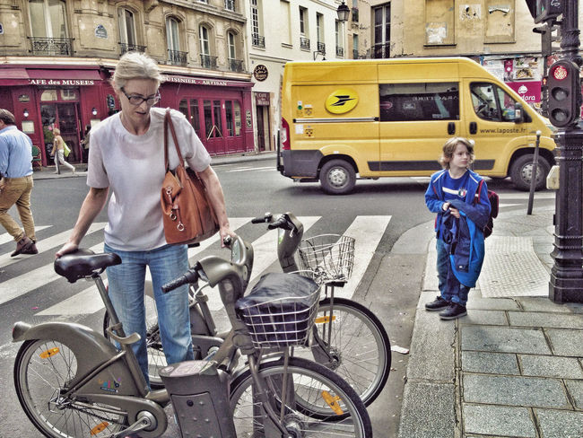 Paris Bicycle Citylife Mother&son Outdoors Real People Street Transportation