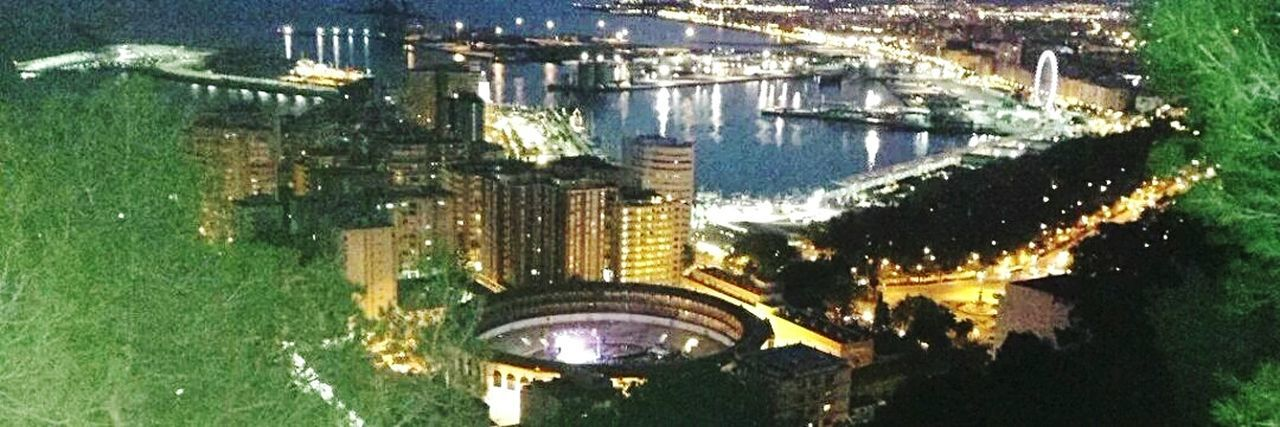 Un regalo. malaga. Nigthpicture Night Photography Night Lights Water No People Panoramic Building Exterior Architecture Built Structure