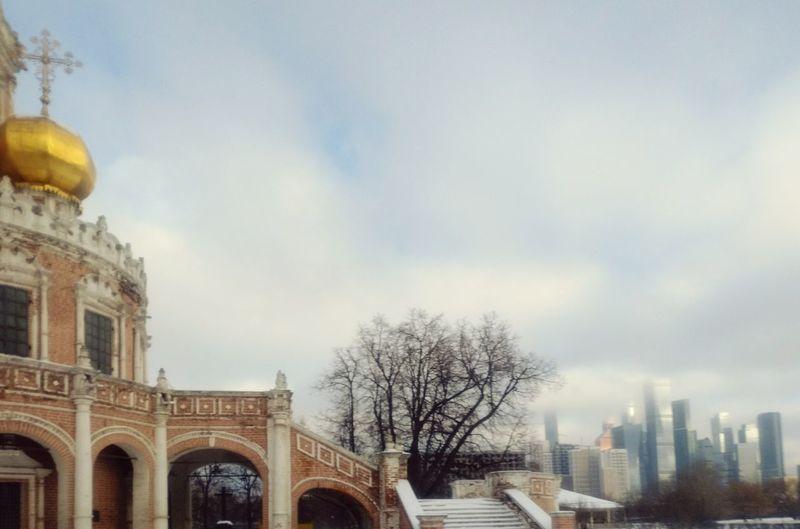 Вид от Покровский церкви в Филя на Москва-сити. Architecture City Building Outdoors No People Church Церковь архитектура пейзаж Landscape Skyscraper