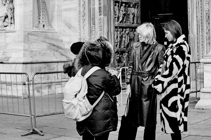 Real People Adult Adults Only Day People Architecture Milan Fashionweek Duomo Di Milano Black & White Blackandwhite Black And White Street Photography Streetphoto_bw Streetphotography Urban Lifestyle Man Milano Milan,Italy