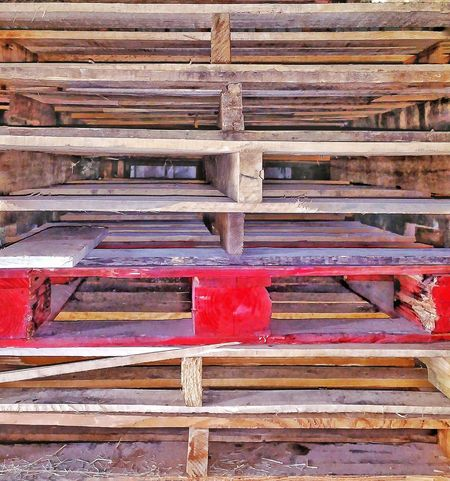 Wood Wood Pallet Red Wood Red Paint Wood - Material Lines And Angles Vertical Stacks Of Wood Light And Shadow Depth Of Field Backgrounds Room For Text Room For Copy Piles Of Wood Rough Texture Rough Lumber Rough Background Stand Out Building Materials