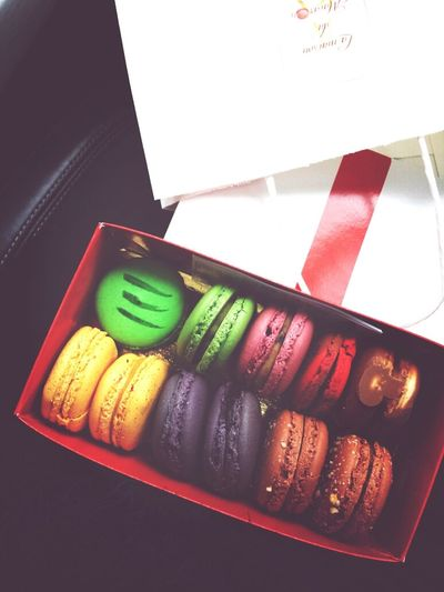 hubby always knows how to cheer me up. Surprises Macarons Mr And Mrs Dessert Time