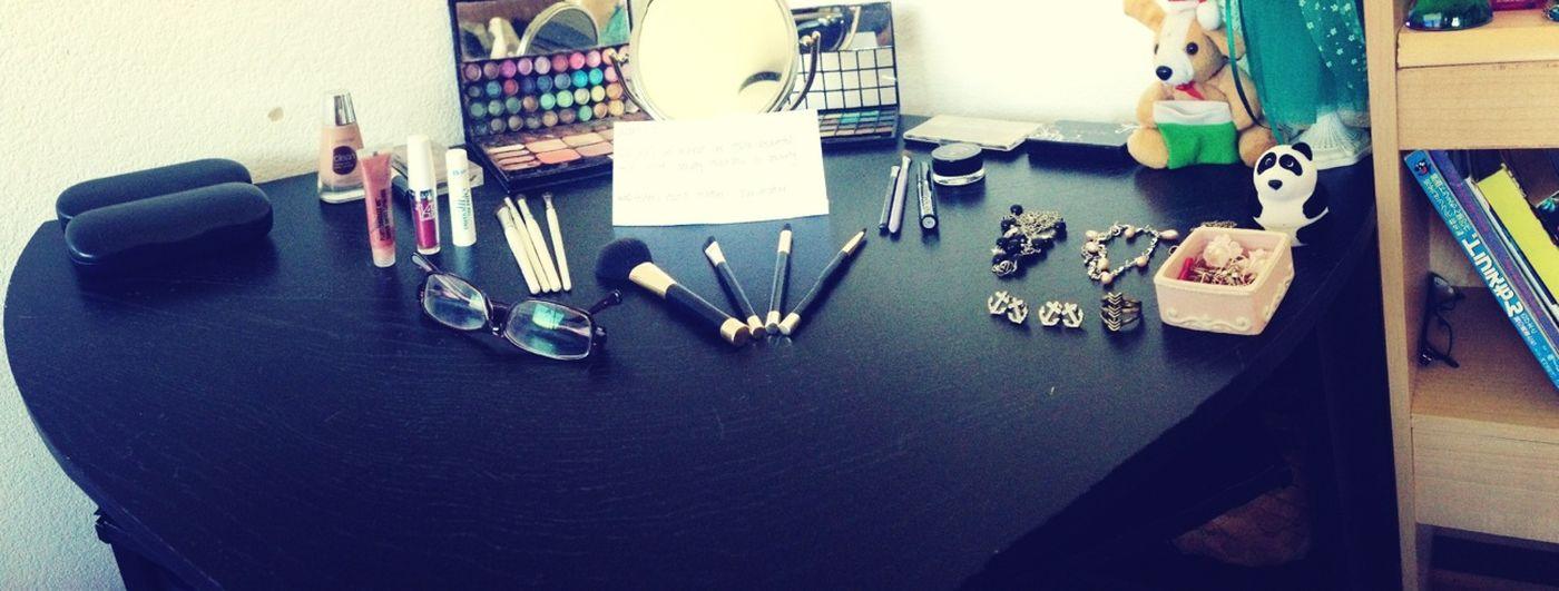 Make up, jewelry set-up :33