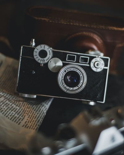 Filmcamera Argus EyeEm Selects Photography Themes Technology Camera - Photographic Equipment Indoors  Retro Styled Close-up Still Life No People Antique Camera Nostalgia Photographing Photographic Equipment
