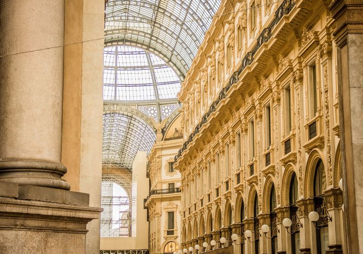 Galleria Vittorio Emanuele II. Galleria Vittorio Emanuele II Milano Milan Italy Piazza Del Duomo Shopping Gallery Shopping Mall Shopping ♡ Giuseppe Mengoni 19th Century Architecture Ceiling Built Structure Photography Travel Tranquility Yellow Clear Architectural Beauty Eye4photography  Eyeemphotography Prada Armani Versace GUCCI