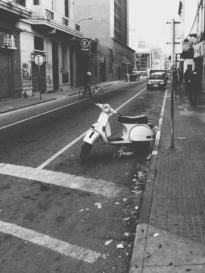 Esperando (Hoping for) [ Esperando Hoping For Photo Foto EyeEm Blackandwhite Vespa City Taking Photos The Street Photographer - 2015 EyeEm Awards