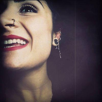 SORRIDERE: Voce del verbo -nonostante tutto- Smile Smiling Sorriso Sorridere Sempre Sorrideresempre Finalmente Piercing Happiness Missu Girl Whitetooth Redlips Soymix