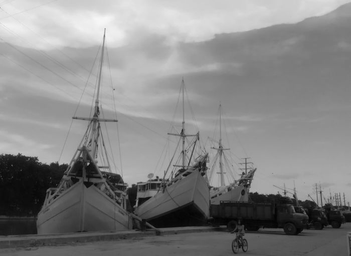 Blackandwhite Black And White Boats Harbour