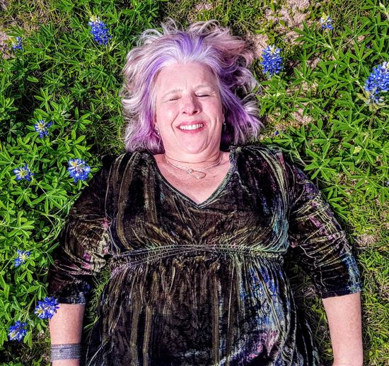Summer Nap Nap Springtime Spring Flowers Americana Flower Portrait Smiling Cheerful Happiness Women Looking At Camera Gray Hair Senior Adult Fun Senior Women One Senior Woman Only Blooming The Portraitist - 2018 EyeEm Awards