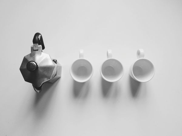 Mokapot Espresso Maker Moka Cups Coffee Cups Porcelain  Simplicity Inanimate Objects Still Life Photography Still Life Cup Kitchen Indoors  No People Object White Background White Things Organized Neatly