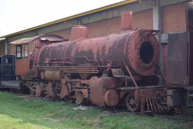 Tren en ruinas Train - Vehicle Mode Of Transport Transportation Rail Transportation Railroad Track Day Abandoned