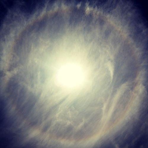 Ayer círculo en el sol: aguacero o temblor jojoj Todo Calza Sol Aguacero talca instachile instacool bkn f4f l4l followback