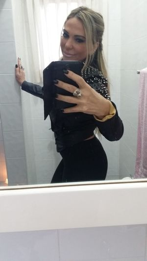 Can not young teen girl bathroom selfies