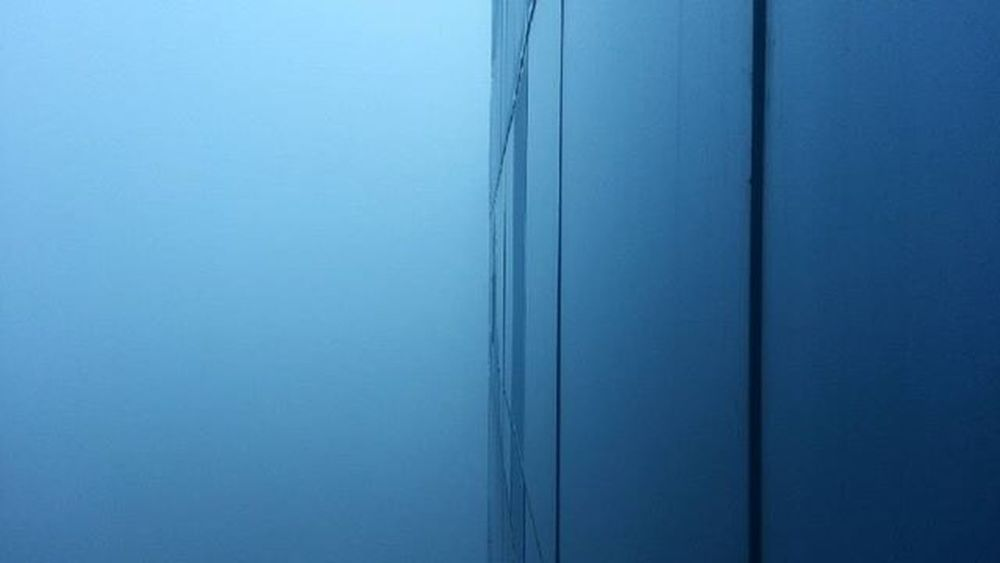 Picoftheday Photooftheday Nice Fog Mist TallBuilding Early Morning Window Glass Blue