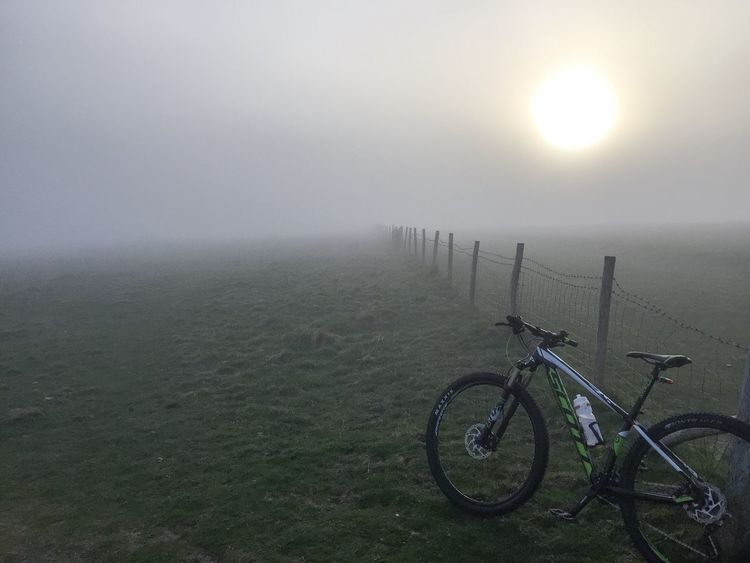 Mountainbike Mountainbiking 29er Scottbikes Scott Foggy Foggy Weather Foggy Afternoon Biking Southdowns Southdownsway MTB MTB ADVENTURE Mtb Love Mtblife MTB Biking Cycling Cycle Cycling Around Cyclingphoto IPhoneography Iphonephotography EyeEm EyeEm Gallery East Sussex