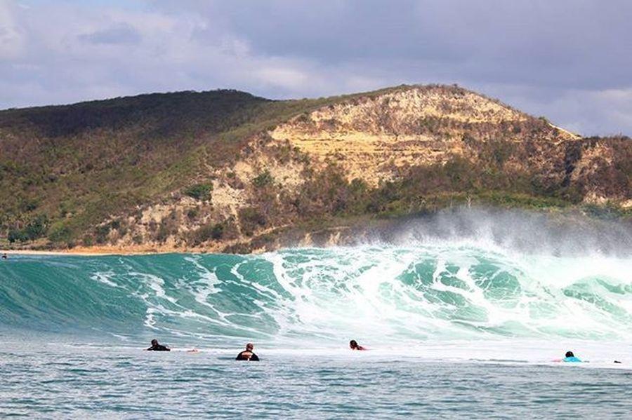 No body take off? Agushariantophotography Scubasurflombok Surfing Lombokisland