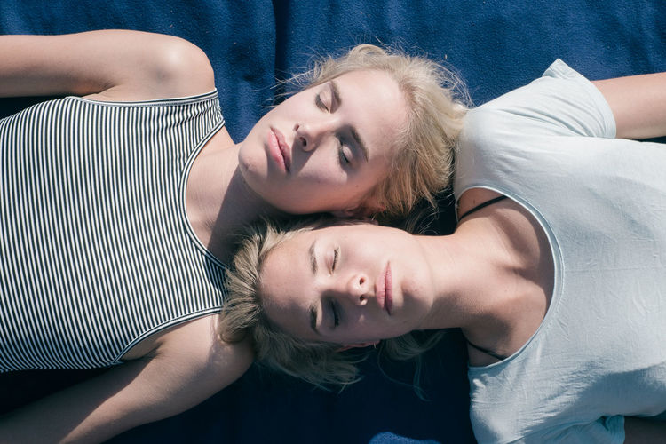 TWINS Blond Hair Bonding Day Happiness Home Interior Indoors  Leisure Activity Lifestyles Looking At Camera Portrait Real People Smiling Togetherness Twins Two People Young Adult Young Women BYOPaper! Investing In Quality Of Life The Week On EyeEm Your Ticket To Europe