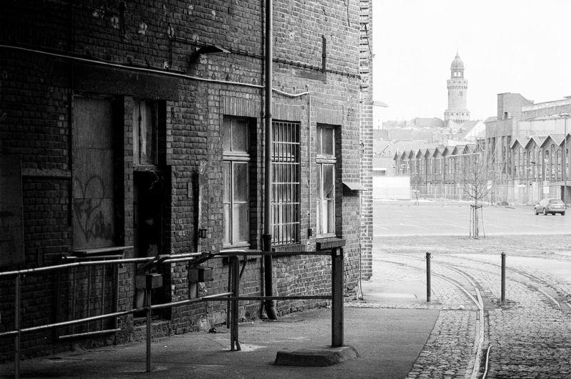 Location: Christoph-Lüders-Straße Canon AE-1 P | APX 100 -> 200 | D-76 AgfaPhoto APX 100 (new) Blackandwhite Canon AE-1 Program  EyeEm Best Shots - Black + White Film Photography Kodak D-76 Monochrome