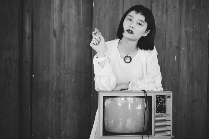 OldSkool Television Set Lifestyles Real People Wood - Material One Person Old-fashioned Indoors  Beautiful Woman Young Women Young Adult Day Adult People Hasselblad X1d Hasselblad