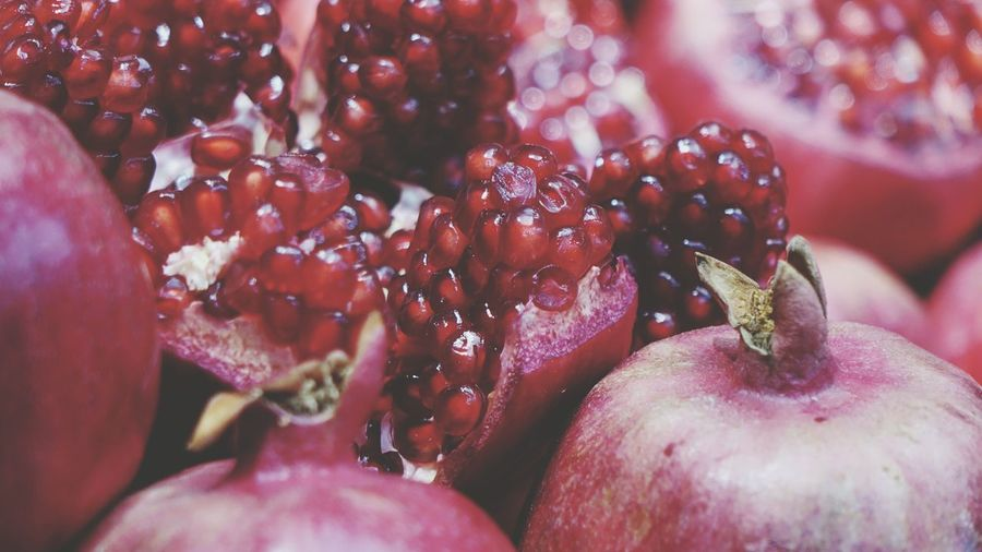 Garnet Granat Pomegranate Original Colorful Fruit Fruits Background Soft Garden Bokeh Red Pomegranate Fruit Red Close-up Food And Drink Pomegranate Seed Juicy Blooming Seed Farmer Market Dandelion Dandelion Seed Plant Pod Unripe Orchard Vitamin C Antioxidant In Bloom