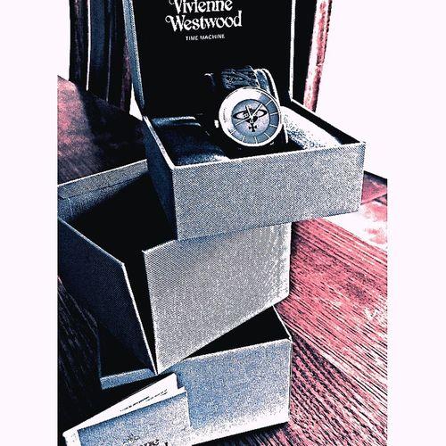 Vivienne Westwood time piece Fashion Photography Fashioninspiration Simple Glamorous Lifestyle The Basics Viviennewestwood Leebo.me.conrad @viviennewestwood Show