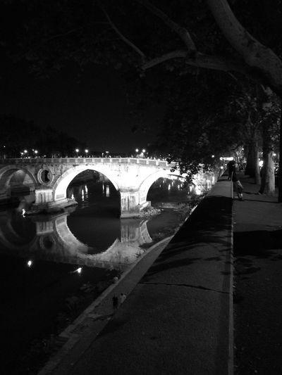 Reflection Night Illuminated Water River Bridge Light And Shadow Huawei P9. Blackandwhitephotography Blanco Y Negro.
